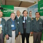 En el stand de la ACHS, Jos Reyes, Eduardo Rossel, Ismael Bravo, Jos Canales y Claudio Torres.
